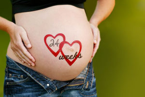 11_francesca-elia-bump-painter